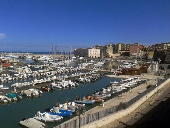 panoramica_del_porto_turistico