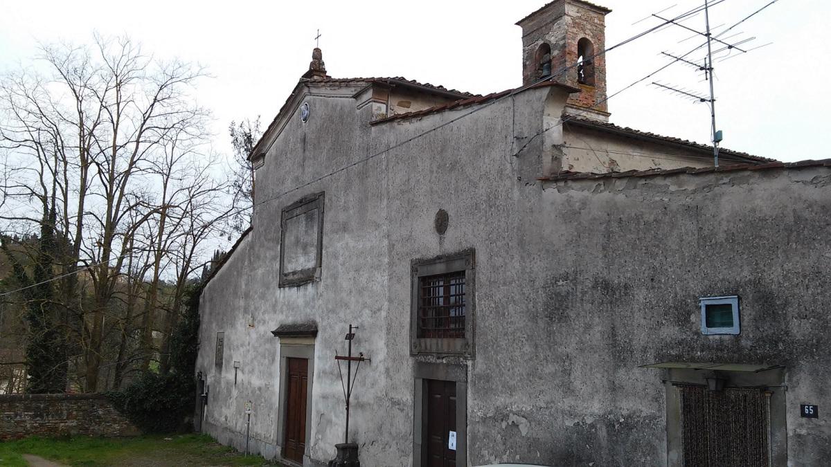 Gli affreschi della chiesa del borgo di Montebuoni salvati dall'impegno dei cittadini