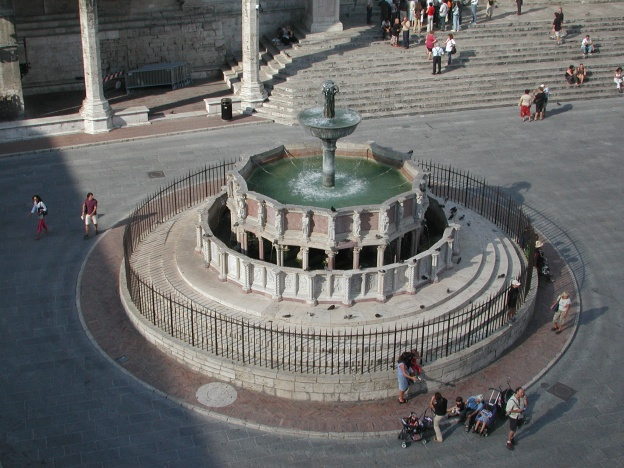 Fontana_Maggiore,_Perugia