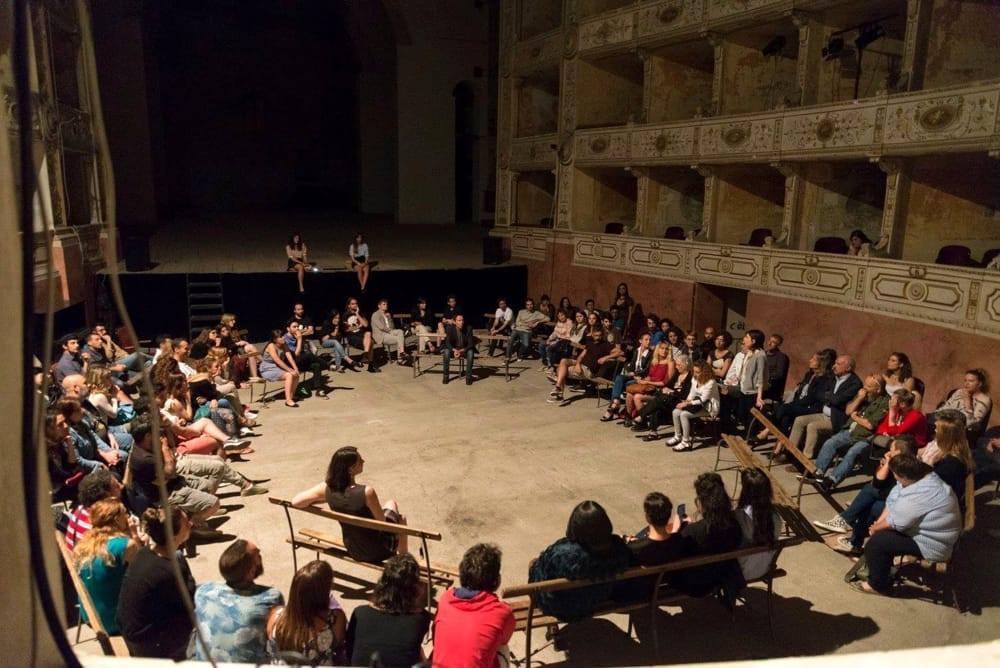 """Pisa approva il Regolamento: l'incontro """"Cittadini attivi e beni comuni"""""""